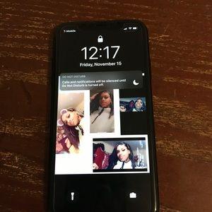 I phone xr black